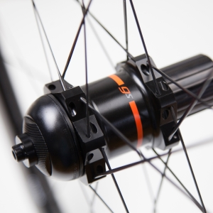 hubs_gs_rear_laced-hub_gs_closeup